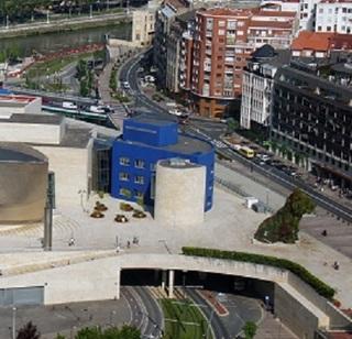 Bilbao_05_2012_Guggenheim_Aerial_Panorama_2007.jpg